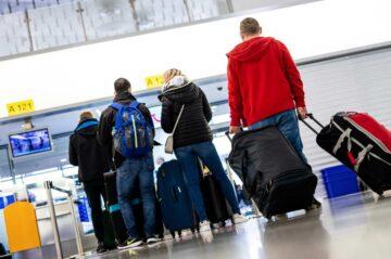 Pasajeros en el aeropuerto de Hanover